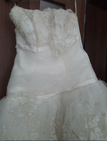 Весільна сукня шампань