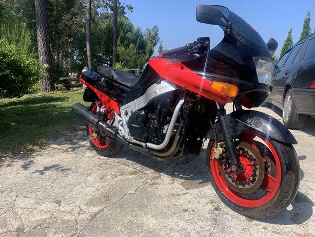 Kawasaki zx 10 tomcat