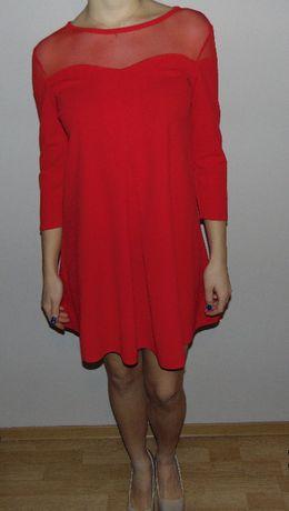 Czerwona sukienka pudełkowa