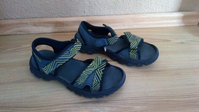 Sandały Quecha dla chłopca w rozmiarze 34/35