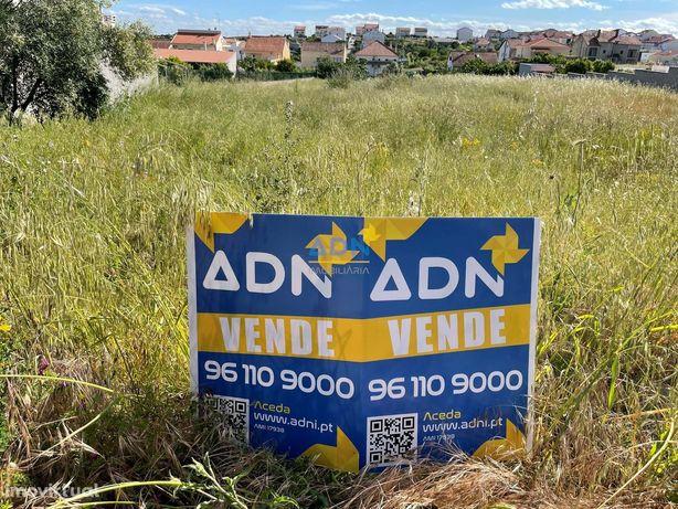 Lote para construção de moradia isolada para venda
