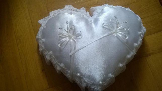 Poduszka na kokardki dla gości weselnych