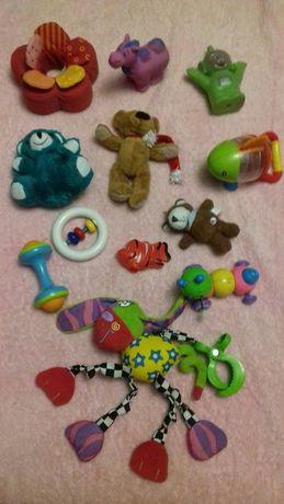 Игрушки для самих маленьких.