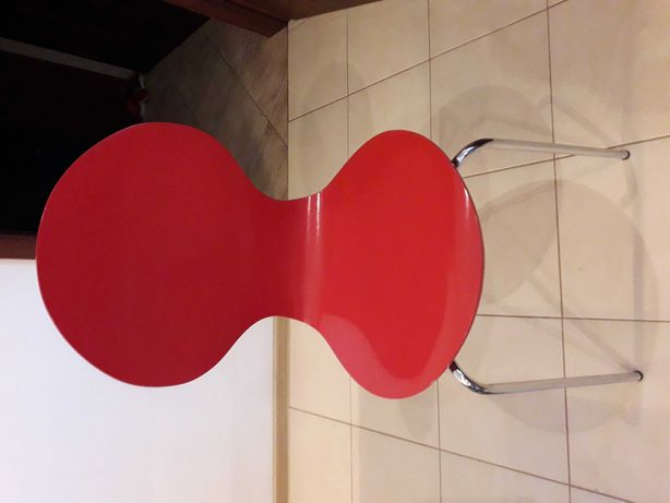 krzeslo czerwone