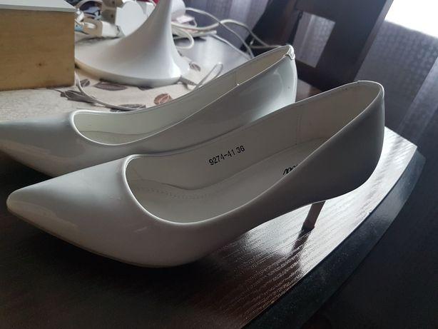 Buty na szpilce r36