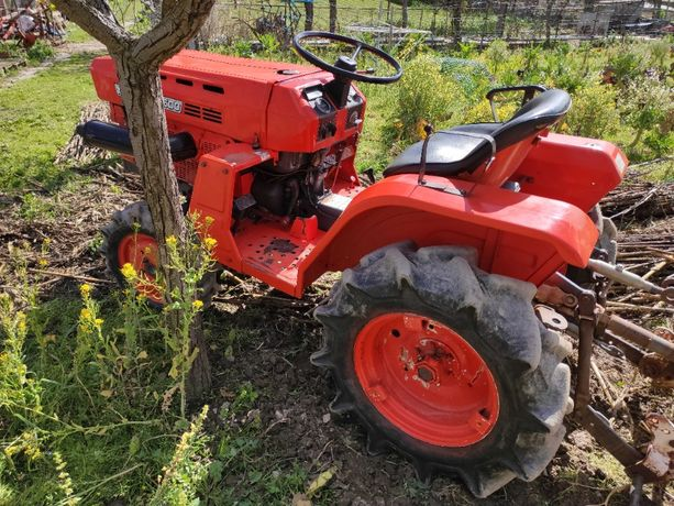 Tractor Kubota B1500 c/alfaias