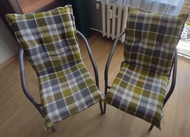 Krzesła ogrodowe z poduszkami