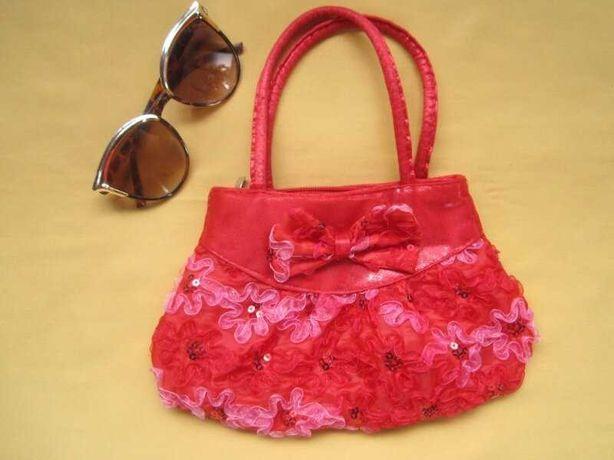 Детская нарядная красивая сумка с паетками