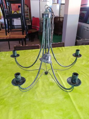 Preço Negociável- mesa, candeeiro, espelho