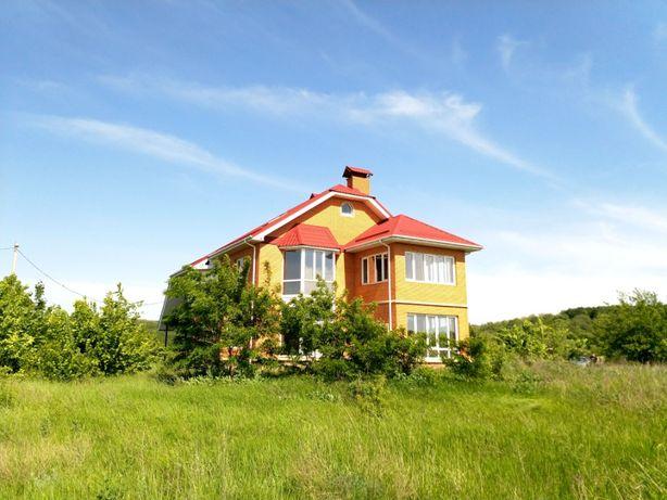 Продам 2-хэтажный дом в с.Каменные Потоки с прекрасным видом из окон