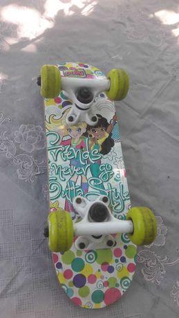 Скейт б/у (для девочки)