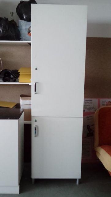 Szafa i szafka narożna z umywalką