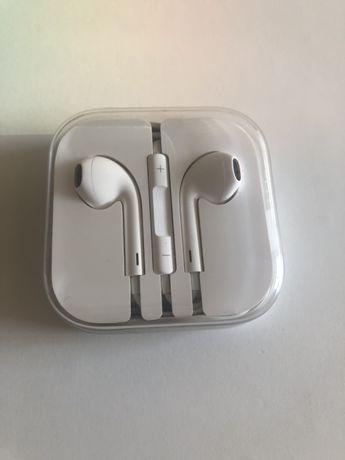 Apple EarPods com conector lighting