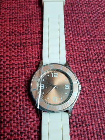 zegarek tarczowy duży damski gumowy pasek złota tarcza