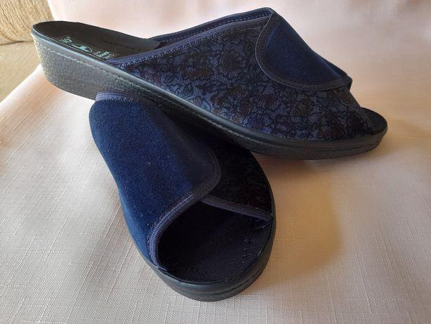 Nowe nieużywane polskie pantofle BIO rozmiar 42