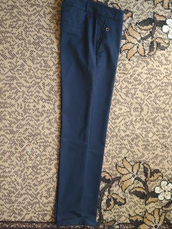Укороченные брюки на 42 р