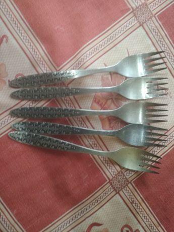 Серебряные вилки ( 5 штук)