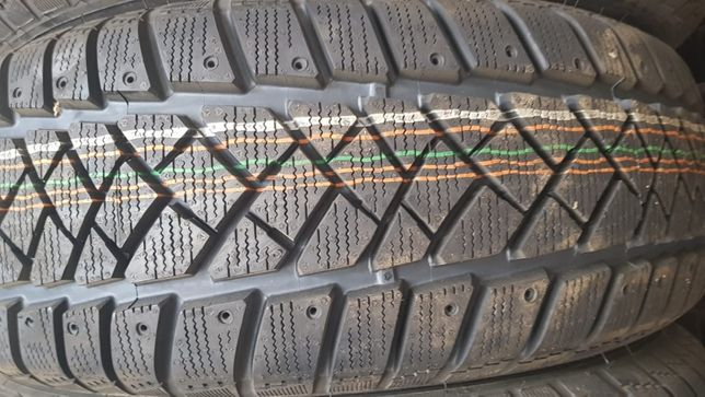 Opony DUNLOP 215/60R17C 104/102H zimowe