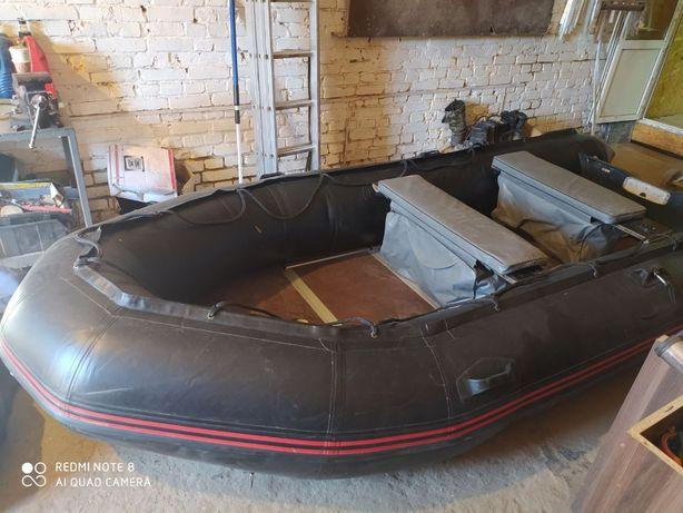 Терміново продам лодку з мотором!
