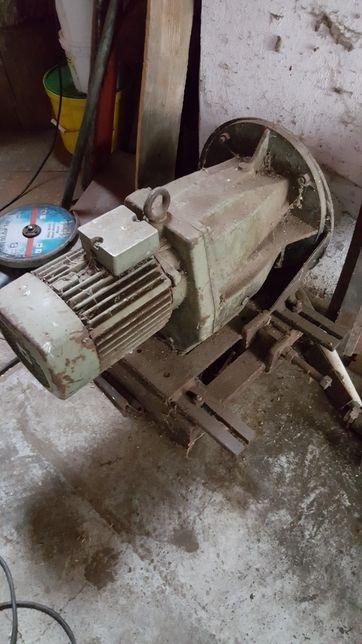 Motor z przekładnia