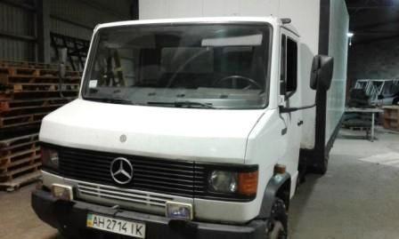 Mercedes 711 грузовой