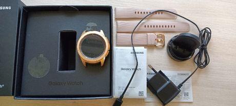 Samsung Galaxy Watch 42мм Gold (SM-R810NZDASEK)