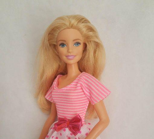 Lalka Barbie Mattel blondynka w różowej sukience i butach