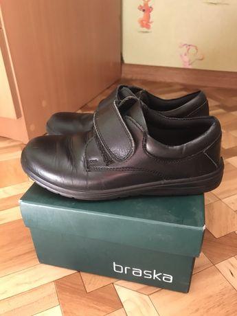 Продам туфли школьные Braska на мальчика, размер 32