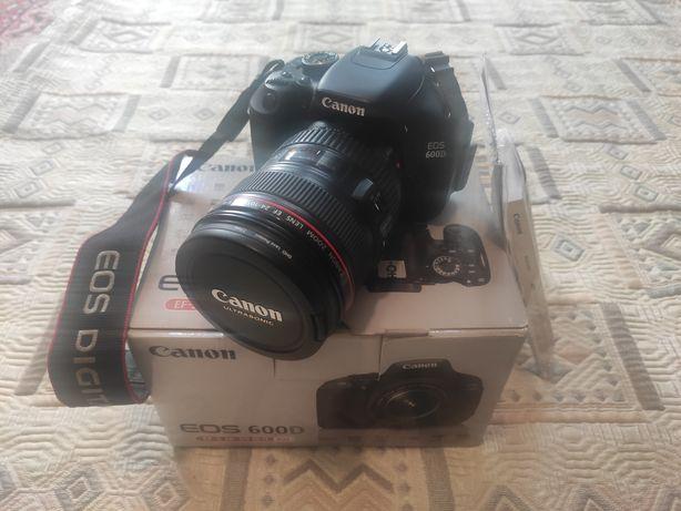 Canon EOS 600D ІДЕАЛ, 9000 кадрів.Коробка.