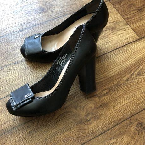 Туфли 35-36 р. практически новые