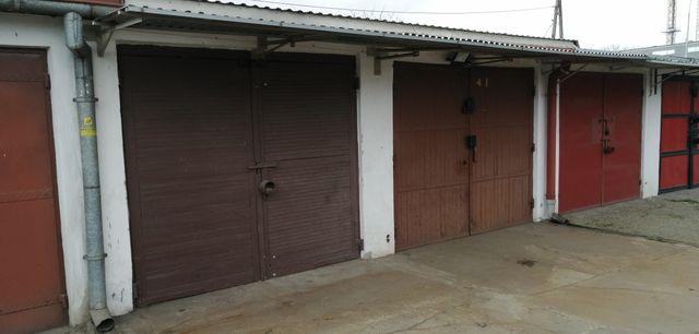 Sprzedam dwa garaże morowane