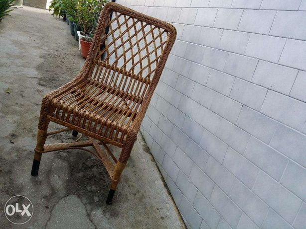 Cadeira feita de vimes