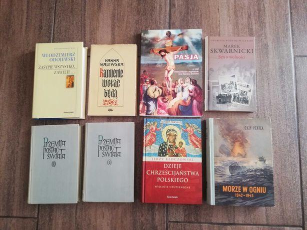 Zestaw 17 książek