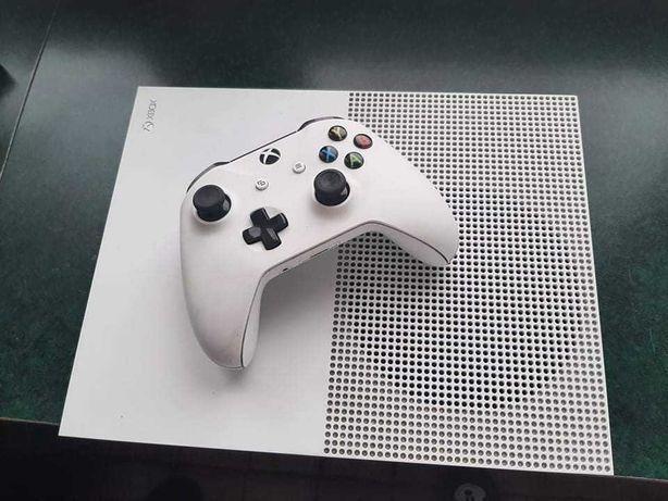 Xbox one s 500gb+gry