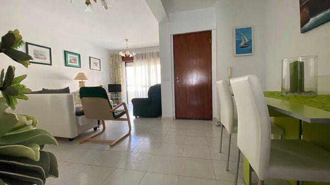 Arrenda-se anualmente Apartamento T3 em Lagoa