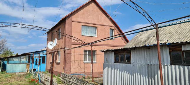 Продам двухэтажный дом в Лимане