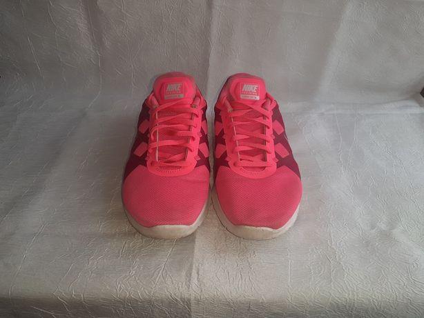 кросівки Nike, жіночі