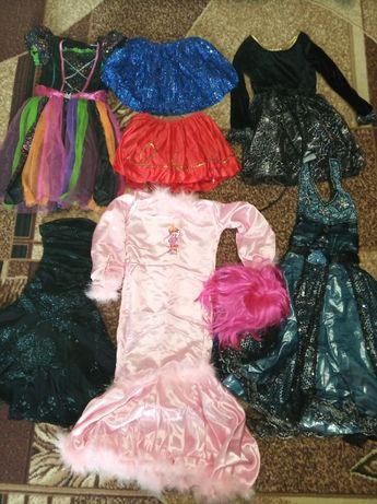 Пакет костюмов на Хелоуин и Новый год.