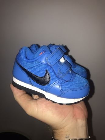Nike RUNNER 2 dziecięce roz 22