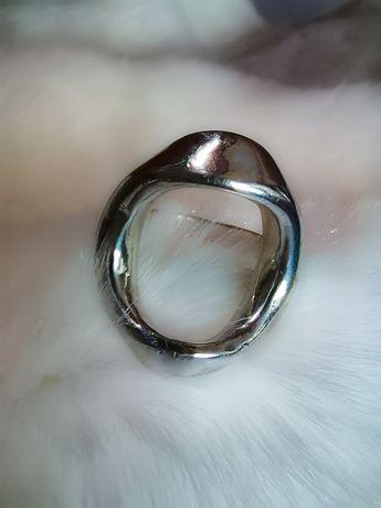 Pierścionek srebrny duży, piękny r 18