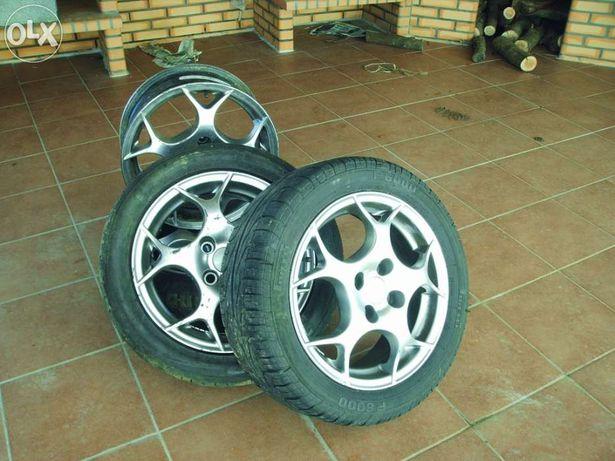 """Jantes 15"""" polegadas de 4 furos e 3 pneus"""