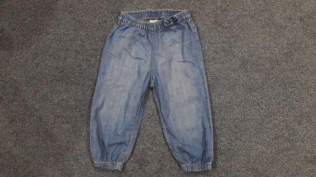 Spodenki dziewczęce z cienkiego jeansu, rozmiar 80