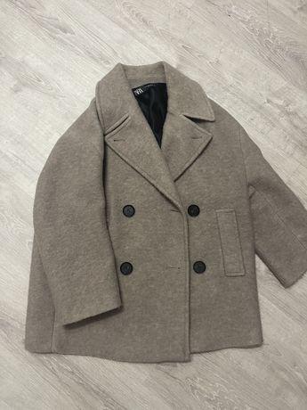Пальто Zara для жінки