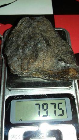 Камень артефакт возможно метеорит