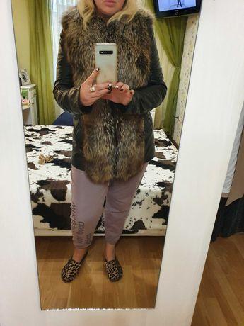 Куртка-жилетка стильная кожаная с енотом ARES