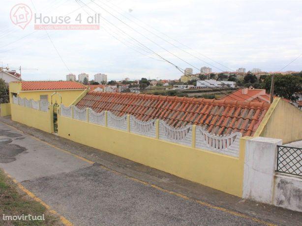 Moradia T3+1 em São Domingos de Rana