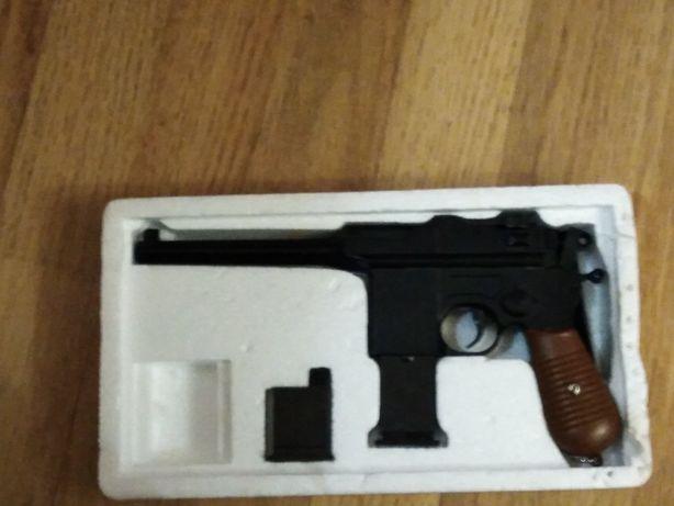 Страйкбольный Mauser в хорошем состоянии