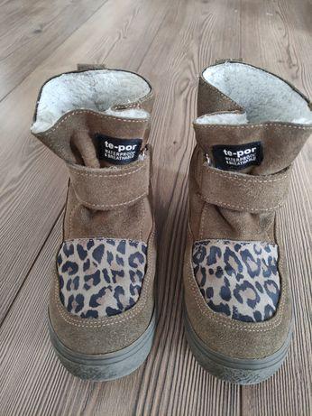 Buty zimowe mrugała 32