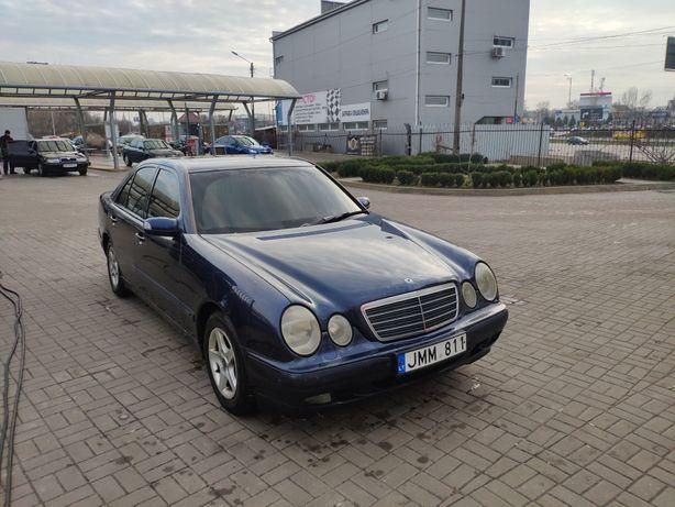 Мерседес w210 2000г