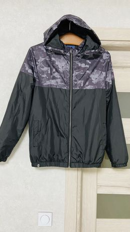 Легкая куртка -ветровка